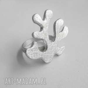 wyjątkowy prezent, koral pierścionek, srebro, zmatowione, koral