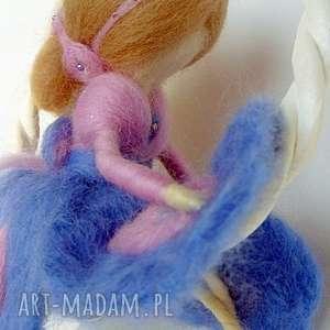 handmade dekoracje zabawa na huśtawce-mobil