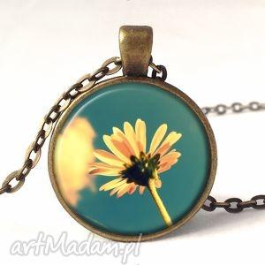 polny kwiatuszek - medalion z łańcuszkiem - naszyjnik, kwiatowa