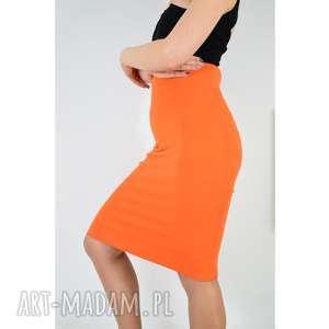 pomarańczowa spódnica tuba, spódnica, dzianina, dzianinowa, uniwersalna