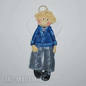 ręcznie robione pomysł na świąteczny prezent elegancki maciek - anioł z masy