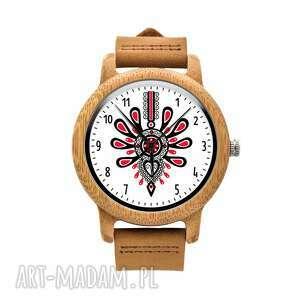 zegarki drewniany zegarek na brązowym pasku parzenica, podhale, zakopane