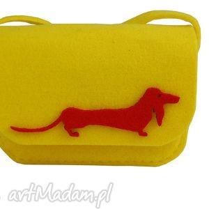 dla dziecka torebka z żółtego filcu jamniczek, filc, torebka, prezent, dziecko