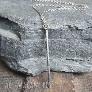 naszyjnik srebrny, słupek, metaloplastyka srebro, srebro oksydowane