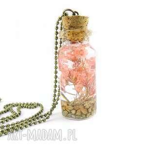 0901 mela wisiorek buteleczka, żywica, kwiaty wisiorki art