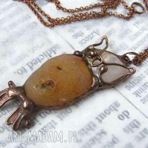 naszyjnik sowa z karneolem, wisiorek sowa, sową, naturalne kamienie