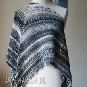 kremowy akcent duża chusta, rękodzieło, chusta na drutach, ażurowa