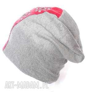 czapka szara z aplikacją etno, czapka, boho, kolorowa, ludowa, prezent czapki