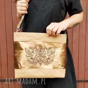hand-made na ramię wegańska listonoszka z haftem