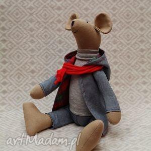 lalki bliźniak placek w czerwonym szaliku, gryzoń, szczurek, mysz, szczur