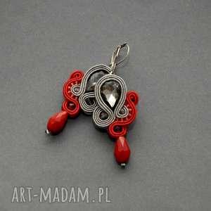 szaro-czerwone klipsy sutasz, sznurek, eleganckie, wiszące, grafitowe, małe, stalowe