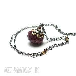 Rubinowa kula vol. 6 - naszyjnik, srebro, oksydowane, pozłacane, rubin, granaty