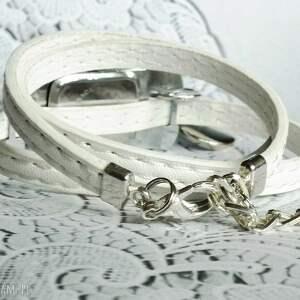 Zegarek damski na pasku skórzanym z zawieszką- czarno-biały - Hand-Made