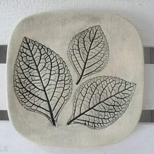 talerzyk z listkami - ,roślinny,talerzyk,podstawka,ceramiczna,fusetka,