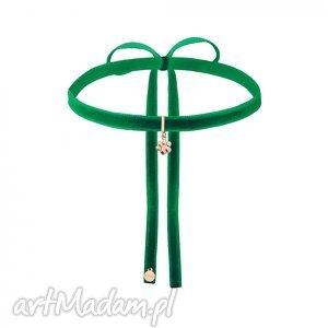 handmade naszyjniki zielony aksamitny choker z łapką różowego