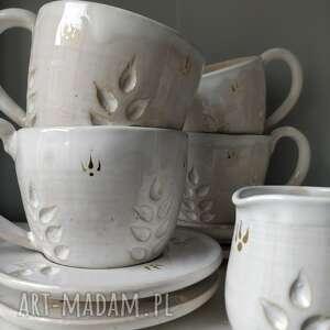 hand-made ceramika filiżanki z dzbanuszkiem