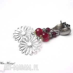 astry /10-2107/- kolczyki, srebro, jadeit, granat, kwiaty