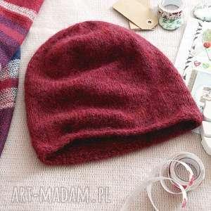 Rubinowa czarwień, czapka, beret, dziergana, alpaka, wełniana, rubin