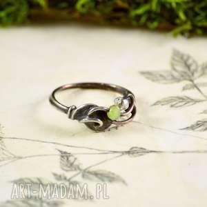 delicate green - pierścionek z kryształkami szklanymi, cyna