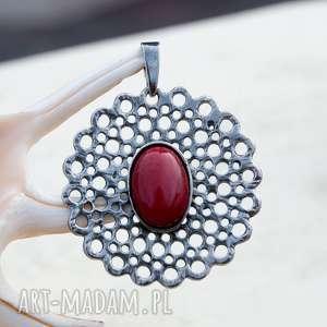 hand-made wisiorki a495 koronka z koralem -wisior srebrny