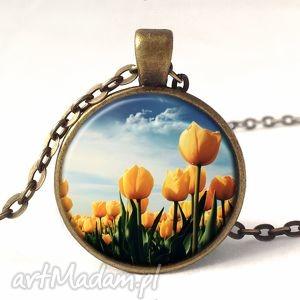 tulipany - medalion z łańcuszkiem - naszyjnik, prezent, kwiaty