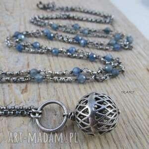 ażurowa kula z kyanitem, srebro, naszyjnik, kyanit
