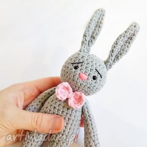 Królik Walery, króliczek, królik, maskotka, przytulanka, szydełko