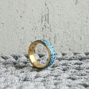obrączka w bękicie, obrączki, pierścionki, złoty, ombre, geometryczne, niebieski