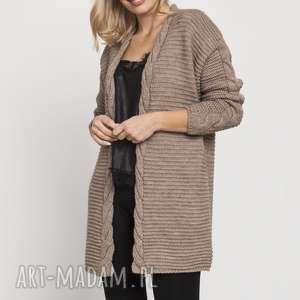 modny kardigan, swe170 mocca mkm, sweter, warkocze