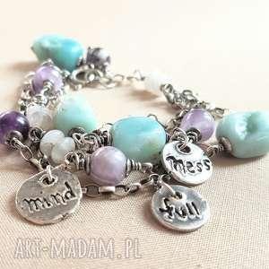 branosletka ze srebra i pastelowych kamieni, srebro, oksydowane, pastele, joga