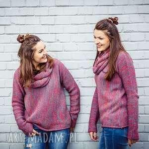 Różowo-szary melanżowy sweter z kominem - arthermina swetry