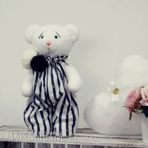 margi studio biały miś w ubranku, miś, ślub, prezent, przytulanka, walentynki