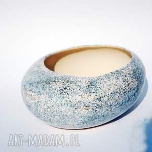ręczne wykonanie ceramika doniczka kamień biała, nakrapiana