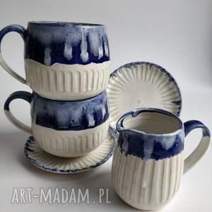 ręcznie robione ceramika zestaw składający się z dwóch filiżanek i dzbanuszka