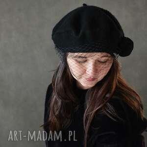 prezent na święta, beret czarny, beret, wełna, woalka czapki