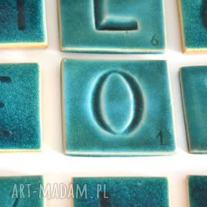 Ceramiczna kafelka z literą O, litera, cyfra