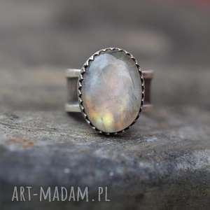 Prezent Pierścionek Royal z kamieniem księżycowym, pierścionek, srebro
