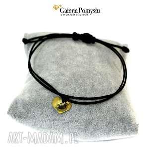 Złote serduszko, serce, srebro, złocone, sznurek, jedwabny, minimalizm