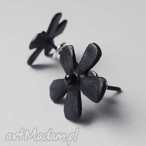 Kwiat kolczyki katarzyna kaminska srebro, oksydowane, cyrkonia
