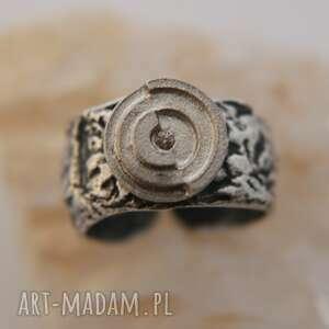 Pierścionek srebrny z artystyczną duszą anna kaminska