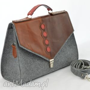 hand-made teczki duża filcowa torebka na ramię, do ręki, kufer, szara ze skórą i bordo kropkami