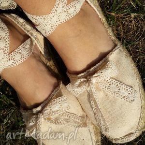 Espadryle damskie vintage beż z subtelną koronką buty saint