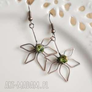 Zielone liście - kolczyki z kryształkami pracownia miedzi liście