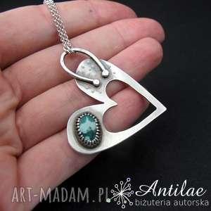ręcznie robione naszyjniki naszyjnik z turkusem, wisiorserce, srebrny wisior w kształcie