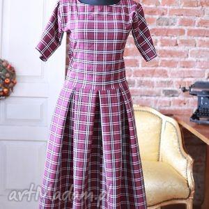 bordo-krata-sukienka, krata, wymyślan, długa, klasyczna, retro, midi