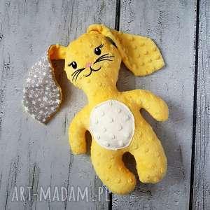 Żółty królik - maskotka przytulanka, królik, gwiazdki, haft, miś, minky