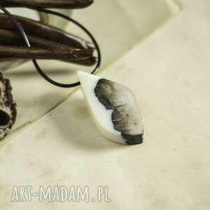 wisiorki elegancki wisior z żywicy i drewna, wisior, żywicy, drewno