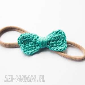 handmade dla dziecka opaska do włosów z kokardką szydełkową