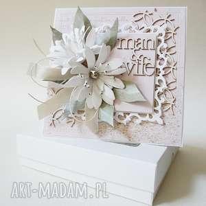 Ślubna elegancja w pudełku scrapbooking kartki marbella życzenia