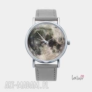 zegarek z grafiką moon, księżyc, gwiazdy, niebo, kosmos, wszechświat, prezent
